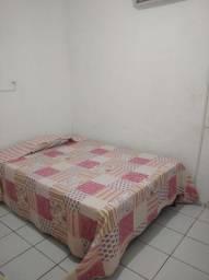 Alugo quarto mobiliado, situado em campo grande, completo com tv, ar condicionado, etc