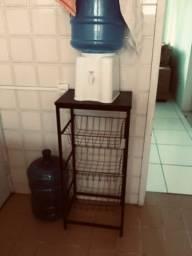 Vendo fruteira de chão alta + filtro de água (seminovos)