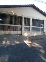 Vendo casa 06 quartos/02 suites conj. Cachoeira Dourada  frente Parque Anicuns/Macambira