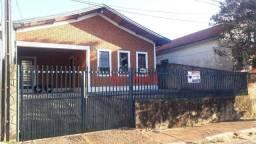 Casa com 3 dormitórios para alugar, 118 m² por R$ 1.500/mês - Alto - Botucatu/SP
