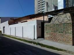 Oportunidade Única! Casa com Ponto Comercial no Benfica