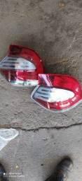 Lanterna Traseira Fiat Mobi