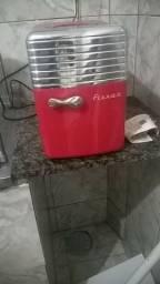Vendo geladeira portátil 5L