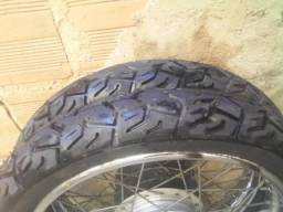 Par de pneus king seminovos, usados pouquissimos kms