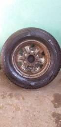 Roda da D20 original com pneus  Meia  vida