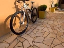 Bicicleta Caloi Elite FS Aro 29, grupo deore