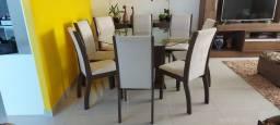 Mesa com 8 cadeiras + buffet