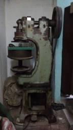 Balancim; máquina de indústria para calçados.