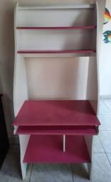 Vende-se mesa para computador/escrivaninha MDF R$:250,00