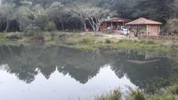 Sitio 1 hectare com casa nova de madeira