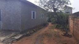 Vendo casa com 2 quartos, 140mil, Garavelo B, lote inteiro 360m urgente