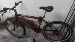 Bicicleta aro 26 / 18 marchas