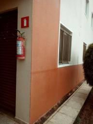 Alugo apartamento em ARAGUARI sibipiruna