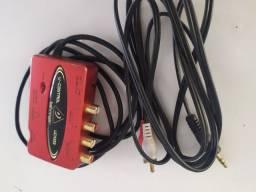 Interface de áudio Behringer UCA 222