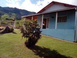 Ótima Casa Rural com 300 m² de terreno na Água Limpa, Delfim Moreira-MG