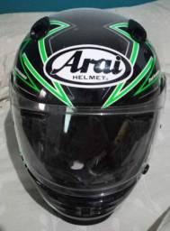 Capacete Arai Helmet. De fibra de carboni