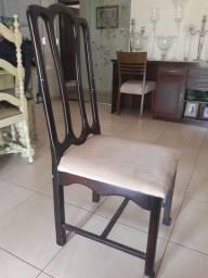 3 Cadeiras de madeira