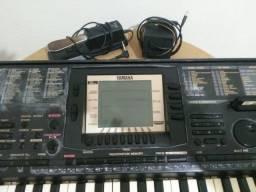 Teclado Yamaha 530