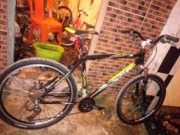 Bicicleta aro 26 de aluminum toda boa 750.00 cartao dinheiro 650.00