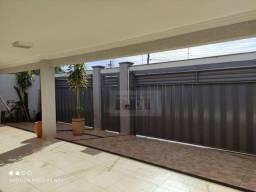 Sobrado com 4 dormitórios à venda, 230 m² por R$ 650.000,00 - Primavera - Rio Verde/GO