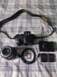 Câmera Nikon D5200 + Lente 50mm + 2 Baterias + Carregador + Cartão 32Gb
