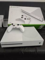 Xbox One S 1 Tera vendo novo na Caixa