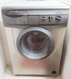 Vendo máquina de lavar roupa Bosch.