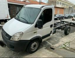 Caminhão iveco 35s14