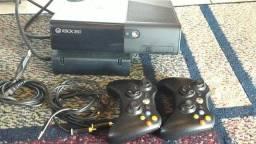 Vendo Xbox 360  550,00 reais