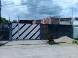 CASA COM PONTO DE COMÉRCIO EM CONSTRUÇÃO
