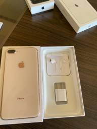 iPhone  8 Plus  impecável  e completo