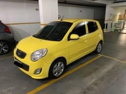Kia Picanto modelo 2011 (amarelo)