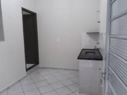 Casa p/ aluguel-Fundo S/Garagem