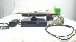 Xbox 360 Super Slim 500 GB (+ Kinect + 21 jogos)