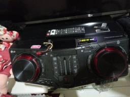 Som LG 1800w