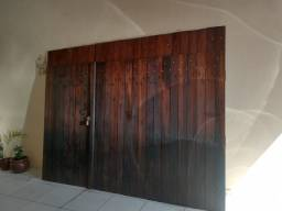 Portão de madeira de lei para garagem