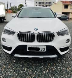 Vendo BMW X1 Branca com teto solar - 28.000km
