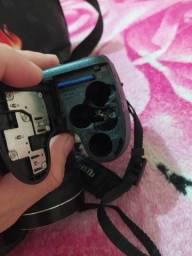 Camera Fujifilm 30x zoom profissional ...filma em HD com cartão de memória original