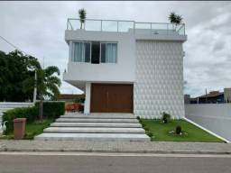 Casa em Condomínio Fechado de alto padrão em Intermares