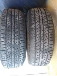 Vende-se dois pneus 15 os dois por 400 200 cada.
