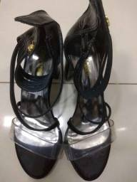 sapatos em ótimas condições