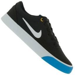Tênis Nike SB Charge Cnvs Preto e Azul Tam 44