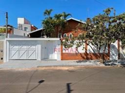 Casa com 3 dormitórios à venda, 214 m² por R$ 750.000,00 - Vila Sonia - Botucatu/SP