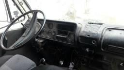 Caminhão  VW  690 motor MWM  baú  ano 85