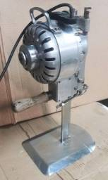 Maquina de cortar tecido / vila formosa