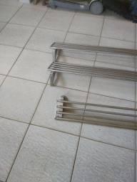 3 prateleiras de parede inox tubular
