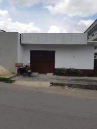 Casa c/ Ponto Comercial Monte das Oliveiras