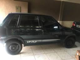 Uno 2006 4 portas - 2005