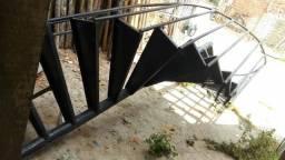 Escada caracol 3,5 metro com corrimão