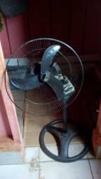 Vendo ventilador pra tirar peças